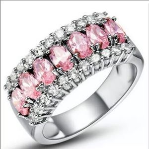 Jewelry - New pink crystal band